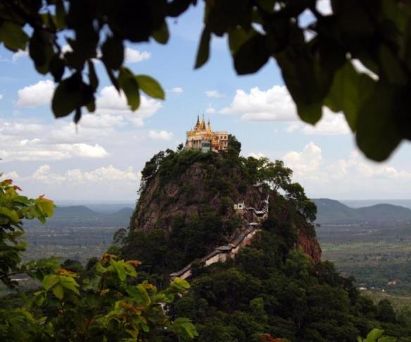 P_Popa_The mystical Mount Popa is the perfect destination to cool down from the heat of the lowlands_0000219368_
