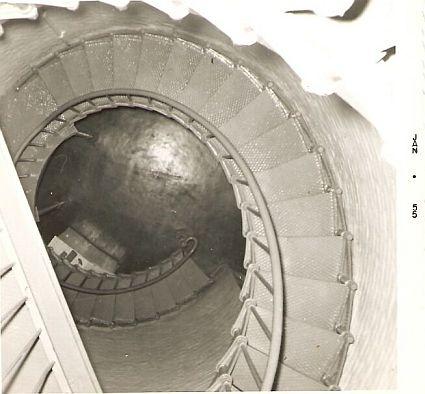 lighthousepicspiralstairs-jan1955sm