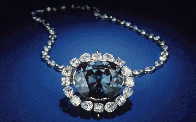 el diamante hope o diamante de la esperanza es un diamante de color azul marino con un peso superior a quilates robado al joyero francs jean baptiste