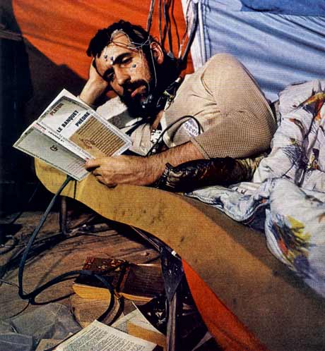 siffre_reading