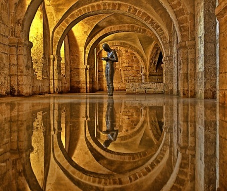 cathedral-crypt-winchester[3]