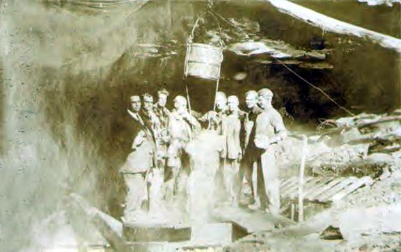 Atrapado en la Mammoth Cave Floyd-collins-extraction